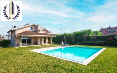 Peschiera del Garda, elegante villa con piscina
