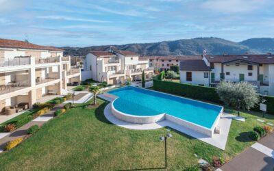 Garda, trilocale in residence con piscina